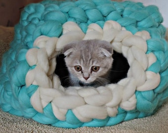 Cat Bed, Cat Cave, Chunky Cat Bed, Cat House, Cat furniture, Pet Bed, Cats, Cat Beds, Super Chunky Cat Bed