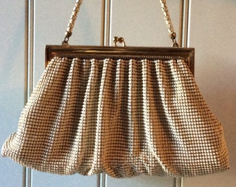 Vintage Whiting & Davis Metal Mesh / Enamel Coated, Cream Colored Handbag/Whiting Davis/Metal Mesh Handbag/ Collectible Handbags/Metal Mesh