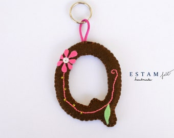 Keyring brown, pink, green, letter Q felt complement embroidered woman baby