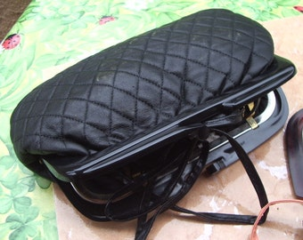 beautiful pouch quilted black lambskin black or red