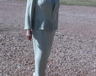 35% OFF Women's Dress Suit/Sage Green/Plus Size