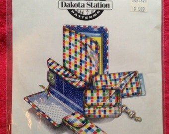 Everyday Accessories #08001.  Dakota Station Sewing PATTERN.