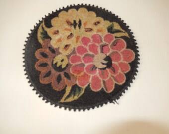 FLORAL HOT PAD or Doily