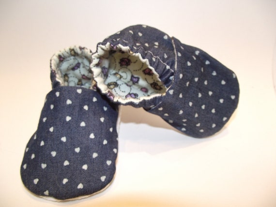 Blue jean baby booties shoes with tiny white hearts -  Size US 2 for 3-6 Months