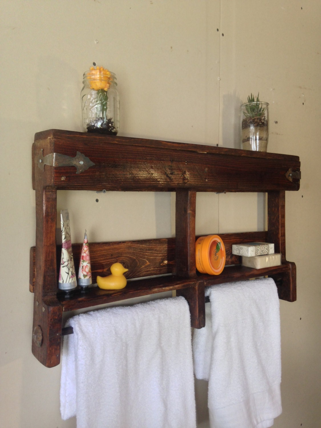 rustic bathroom towel rack rustic bathroom shelf by seasiderustics. Black Bedroom Furniture Sets. Home Design Ideas