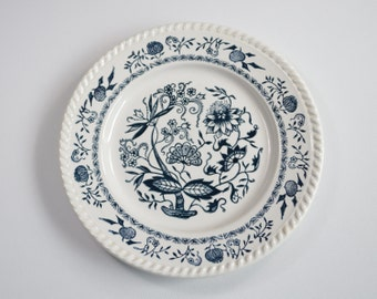 Decorative plates flat dishes