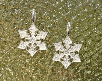 4 Snowflake Charms - Snowflake Earring  Charm - Snowflake Pendant - Silver Snowflake Charms - Christmas Charm - Holiday Charm - SC372