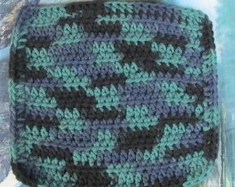 7 by 7 hand crochet dish cloth 0034
