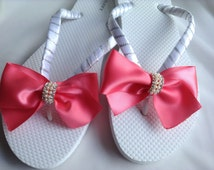 White and Coral Satin Bow Flip Flop Bridal, Braidsmaid Flip Flops, Beach Wedding Sandals, Wedding Coral Flip Flops