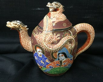 Japanese Satsuma Marriage Dragonware Teapot ca. 1920s