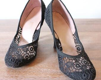 Vintage 50's Black Lace Parimode Round Toe Pumps - Size 6