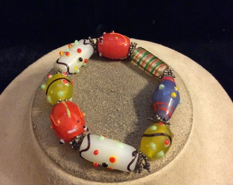 Vintage Unqiue Chunky Multi Colored Glass Beaded Bracelet