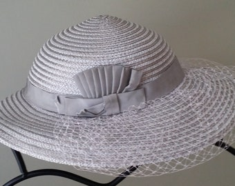 Vintage Ladies Silver Ernie Straw Hat with Bow