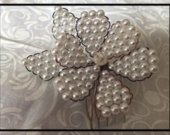 Hand-Beaded Faux Pearl Flower Hair Comb