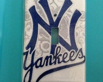Ny yankees wallplate switch cover   2 designs  to choose from   Personalize your space
