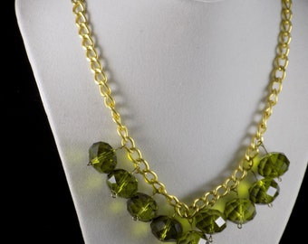 Green faceted beaded chain necklace