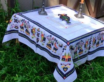Pennsylvania Dutch Folk Art Tablecloth w Man and Wife, vintage item- pristine condition!