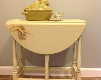 Drop Leaf Table,Table,Painted Furniture,Distressed Furniture,Vintage