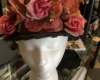 Black rose floral hat, vintage 1950's with beaufiful velvet flowers.