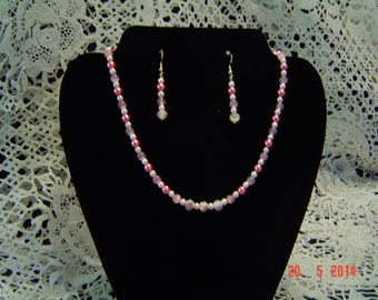 Beautiful single strand necklace and earring set