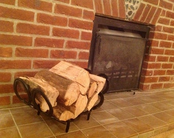Medium Horseshoe log rack