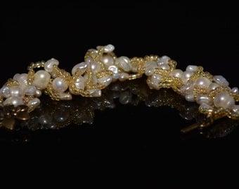 """FT237 Cream Freshwater Pearl Bracelet Size 9"""""""
