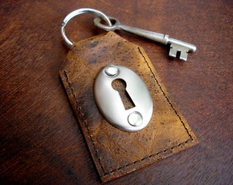 Mottled Brown Leather Key Fob with Keyhole and Skeleton Key - Burnt Sugar Key Chain