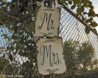 Mr and Mrs Signs. Wedding Chair Sign. Wedding Sign. Rustic Wedding. Wedding Decor. Wedding Reception. Wedding Ceremony. Photo Props.