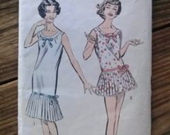 Vintage 1960s Pattern Nightie Playsuit Advance 8815 B36 2015365