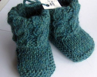 Baby Booties , slipper socks // Hand Knitted with Baby Alpaca // Many Colors to choose from // Baby Shower gift, pregnancy announcement