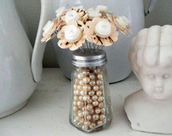 Button Bouquet Flowers Vintage Bead Filled Salt Shaker Shabby Creamy Sepia Wedding Favor Home Decor