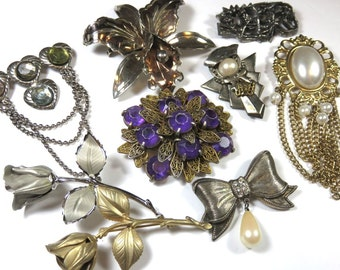 SJK Vintage Discount -- Bundled Lot of Boho Shabby Chic Brooches (1970's-80's)