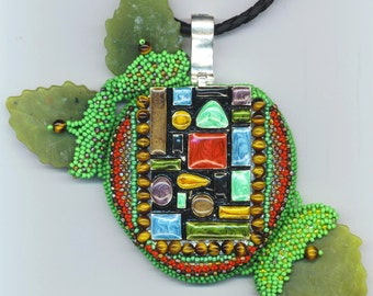 Big Apple Enameled Necklace, Architecture of New York City, Geometrical Statement Necklace, Beaded/Beadwoven Apple Pendant, Bead Embroidery