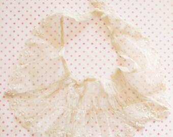 Ruffled Romance...Lovely Vintage Net Lace Collar