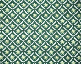 1940's Vintage Wallpaper - Tiny Yellow Roses White Ribbon Lattice on Dark Green