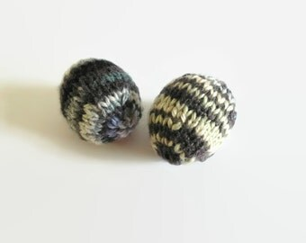 Gray Heirloom Wool Easter Eggs, Cozy Eggs, Holiday Decor, Party Favors, Hand Knitted, Kids Toy, Gifts Under 10, Easter Gifts, Easter Basket.