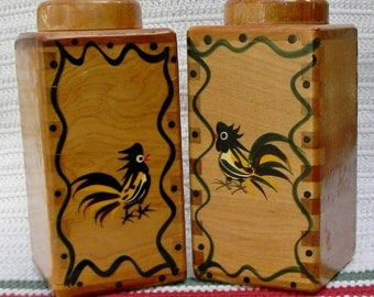 Woodpecker Wood Ware Salt & Pepper shakers hand painted roosters FREE SHIPPING