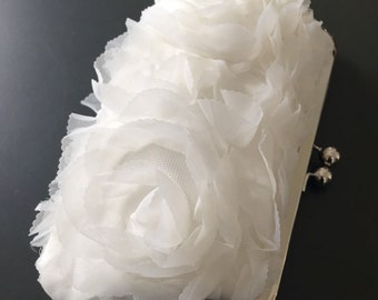 Sale - Rosette Off White Clutch
