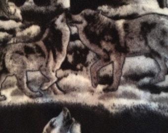 Fleece Black/Gray Wolf Blanket