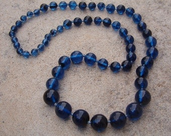 Necklace, Vintage Navy Blue Plastic Beaded Necklace, 80s Necklace, Vintage Jewelry, Vintage Necklace