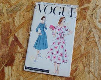 Vintage Vogue 1950's Aline Button Front Dress 8873 Bust 30 RARE