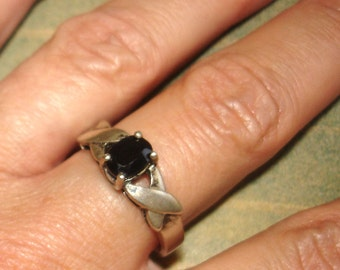 UNISEX vintage dark sapphire braided sterling silver ring size 10
