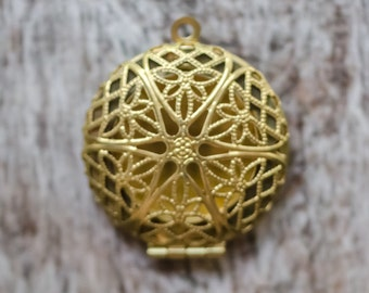Brass Filigree Locket Pendant