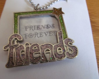 friends for ever pendent