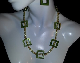 Green Mother of Pearl Necklace Set