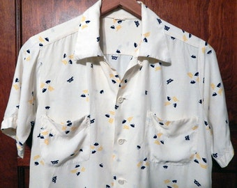 Vintage 50s Rayon beer pretzel novelty print loop collar mens shirt M