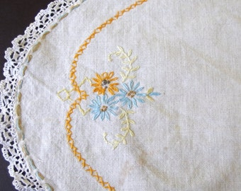 Vintage Small Oval Embroidered Dresser Scarf with Crocheted Lace Edging