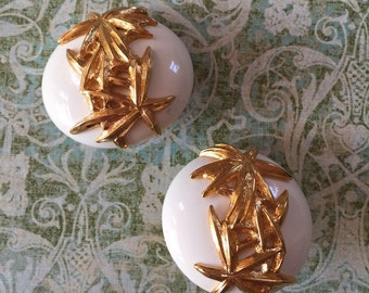 Vintage Signed Trifari Gold Tone Clip Earrings bridal Party prom special occasion glam