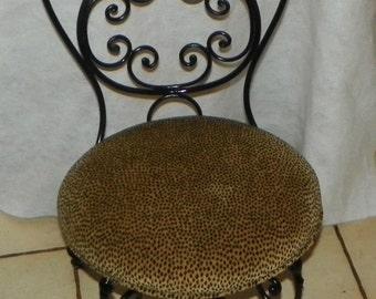 Orante Rod Iron Vanity Bench / Vanity Chair (BN98)