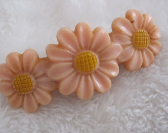 Vintage barrette, sweet row of daisies, soft pale pink
